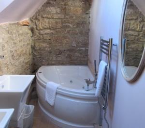 Bathroom The Rake Inn Littleborough